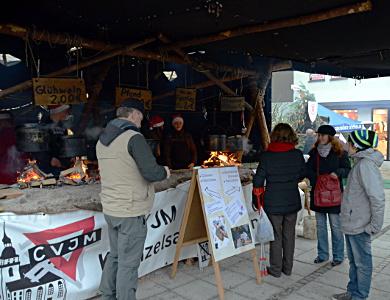 06.-08.12.13 - Weihnachtsmarkt-Stand von CVJM und Jugendwerk